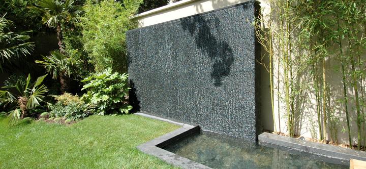 Le mur d'eau, un décor unique, une détente immédiate