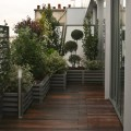 Un balcon au design contemporain