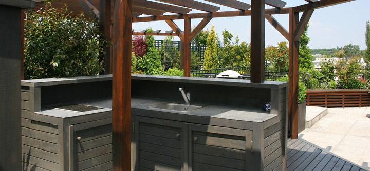 Cuisine et bar en terrasse