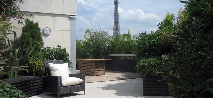 Une terrasse se métamorphose face à la tour Eiffel
